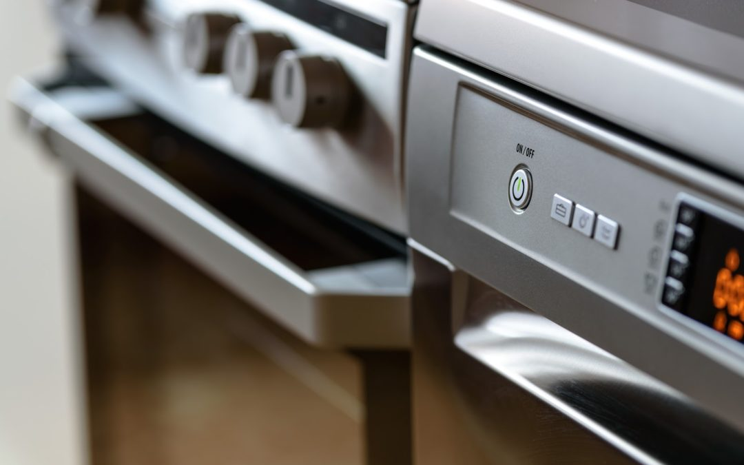 4 Oven Cleaning Hacks You Need In Your Life